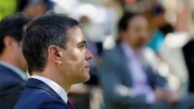 Sánchez no irá al funeral de las víctimas del Covid por un almuerzo en Lisboa