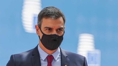 """Casado defiende la gestión de Ayuso y acusa a Sánchez de """"atacar Madrid"""""""