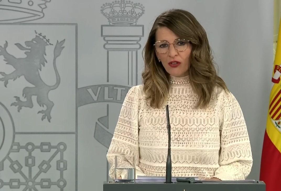 Yolanda Díaz look
