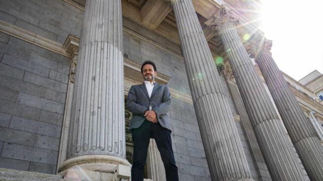 Edmundo Bal, en la escalinata del Congreso de los diputados