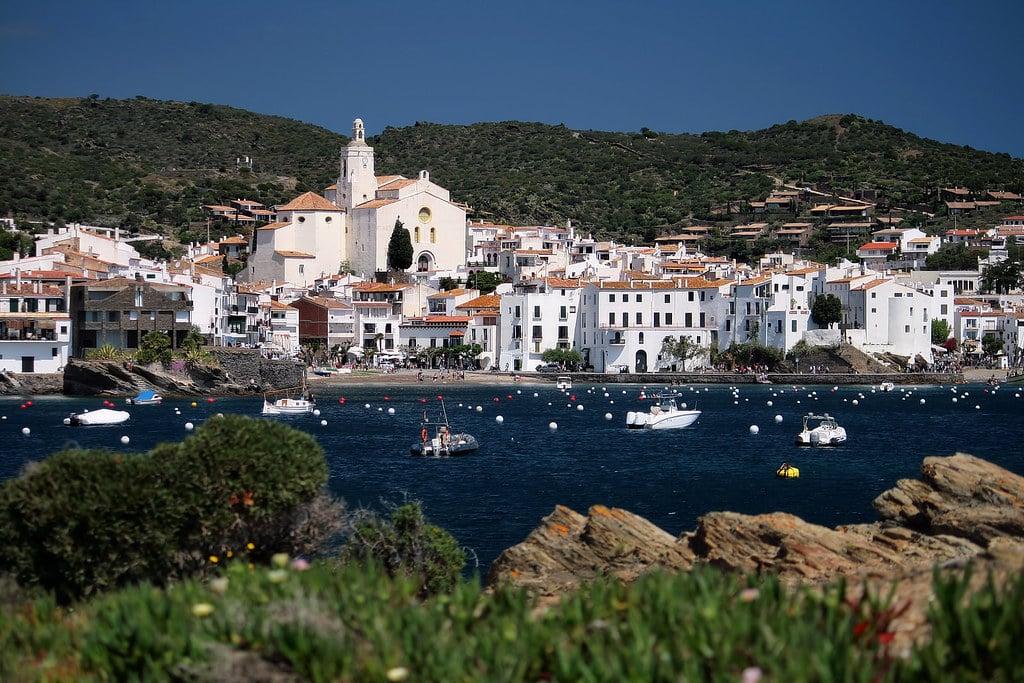 Imagen de la localidad de Cadaqués (Gerona)