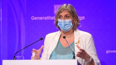 Barcelona limita las reuniones a 10 personas, impone la cita previa en comercios y recomienda no salir de casa