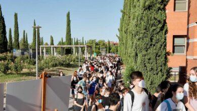 """Madrid no hará obligatorio el uso de la mascarilla pero pide """"responsabilidad"""" a los jóvenes"""