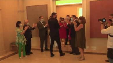 Aplausos y un pasillo: así han recibido los ministros a Pedro Sánchez en Moncloa tras el acuerdo