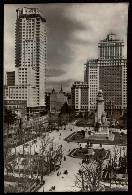 Fotografía del Edificio España de 1955