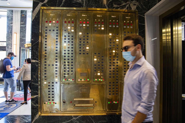 Tras la remodelación se ha mantenido y panel de botones de los antiguos ascensores