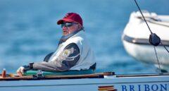 Juan Carlos I, regateando en el Europeo de Vela de barcos clásicos en 2018.