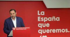 Ábalos intenta parar la enmienda anti-desahucios con un pacto interno con Podemos