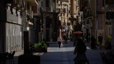Cataluña ordena el aislamiento de todas las residencias de Lleida