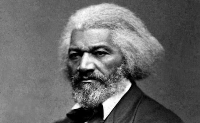 Derriban una estatua del abolicionista Frederick Douglass en Nueva York