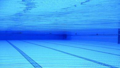Muere un hombre de 50 años en Alicante tras lanzarse a una piscina con poca agua