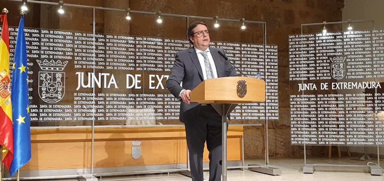 El consejero de Sanidad de la Junta de Extremadura, José María Vergeles.