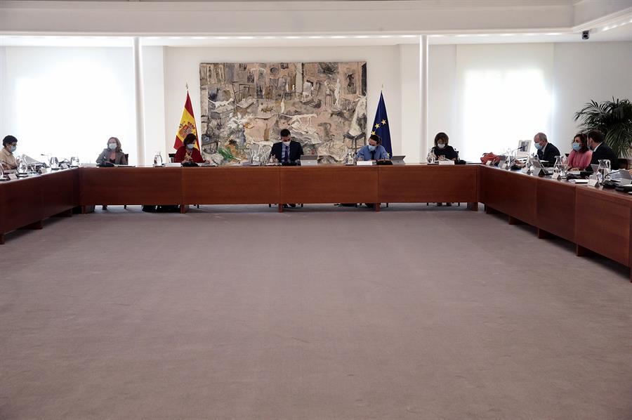 El silencio de Sánchez sobre Juan Carlos I deteriora su relación con Iglesias