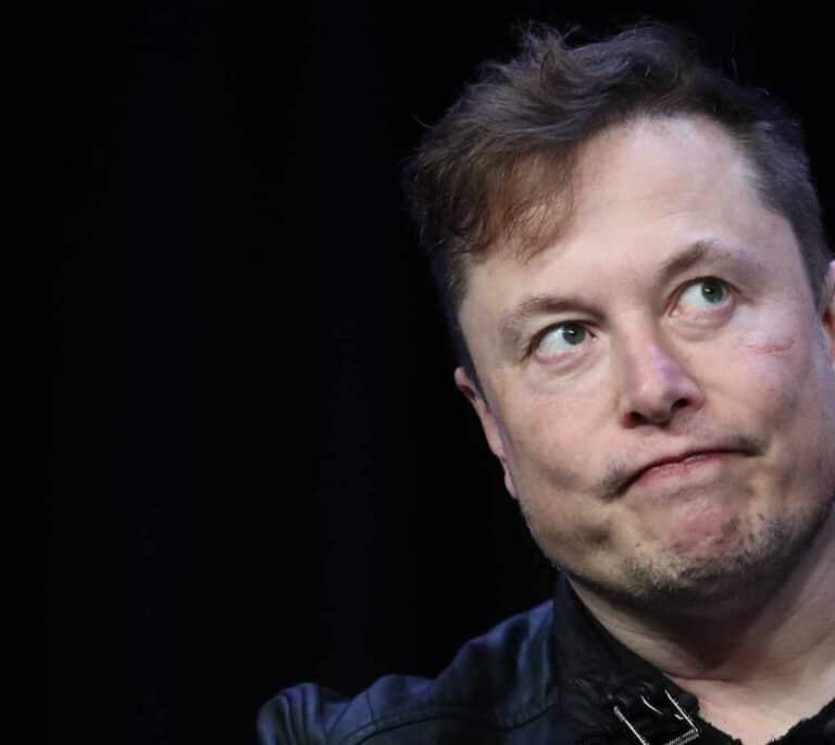 Elon Musk hunde el bitcoin al anunciar que Tesla deja de aceptarlo como forma de pago
