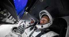La nave de SpaceX regresa con éxito a la tierra y completa una misión histórica