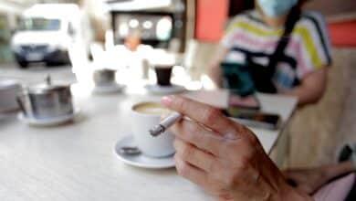 Madrid también se plantea prohibir fumar en los espacios públicos como en Galicia