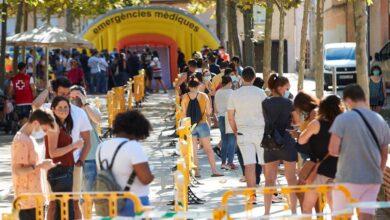 Casi 1.300 contagios más en Cataluña pero descienden los ingresos en 32