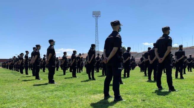 Jura de la última promoción de policías nacionales en la Escuela de Ávila.