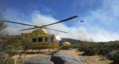 El viento complica el incendio en el Valle del Jerte