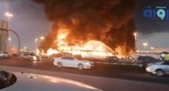 Un incendio en un mercado de Ajman, Emiratos Árabes Unidos.
