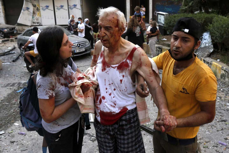 Al menos 135 muertos y 5.000 heridos en la gran explosión de Beirut