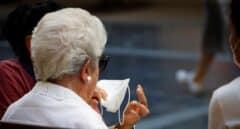 Ocho de cada 10 españoles reconocen que olvidan cambiar la mascarilla
