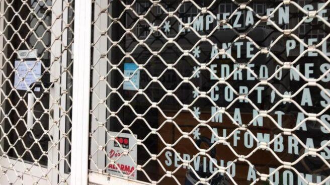 Un comercio cerrado durante el confinamiento.