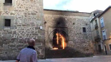 Un incendio causa importantes daños en la iglesia de San Martín de Plasencia