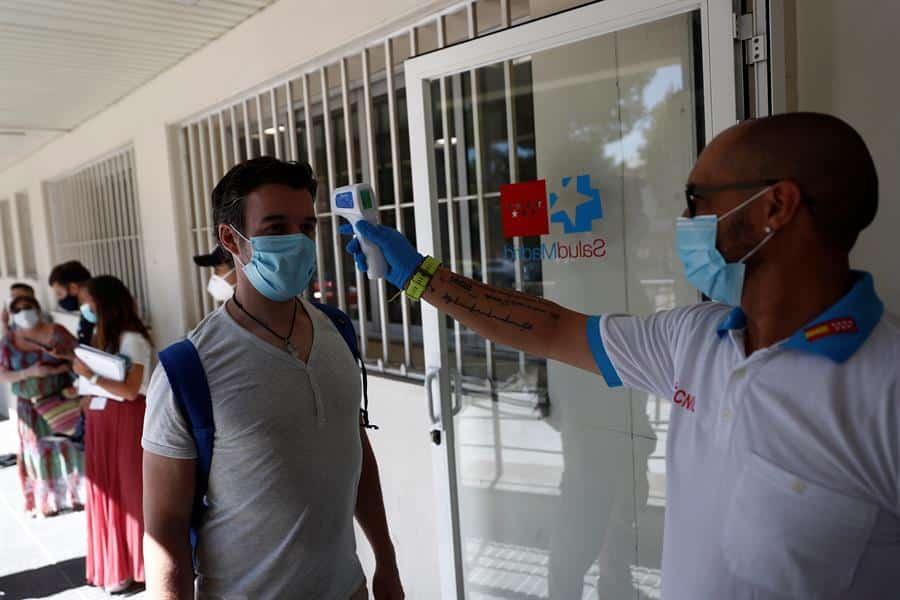 Realización de pruebas PCR en la Comunidad de Madrid.