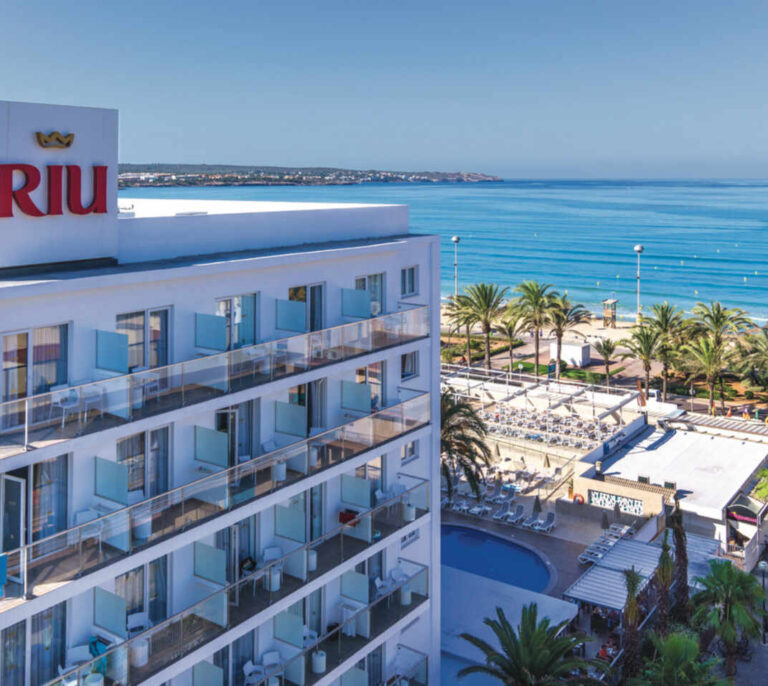 Las hoteleras tiran precios con descuentos de hasta el 40% tras un verano negro