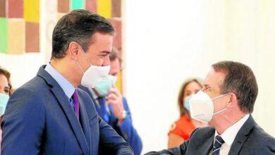 """Los alcaldes """"rebeldes"""" anuncian que sus partidos rechazarán el decreto de Hacienda"""