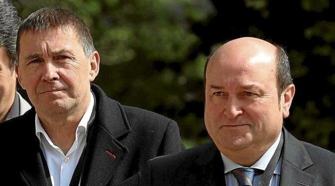 PNV y Bildu, los socios de Sánchez que no se pueden ni ver
