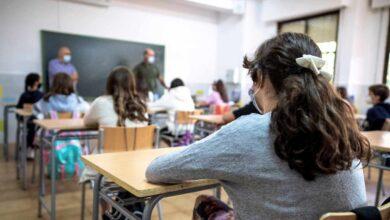 Los centros educativos de Madrid, sin noticias de las cámaras y ordenadores anunciados por Ayuso