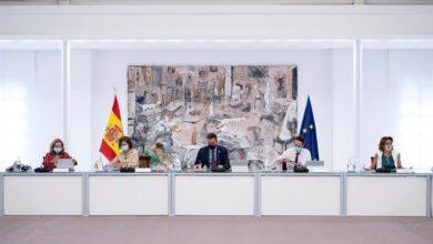 El Consejo de Ministros da luz verde al estado de alarma en Madrid sin escuchar la propuesta de Ayuso