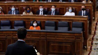 Sánchez utiliza la sesión de control para hacer oposición a Casado por la corrupción del PP