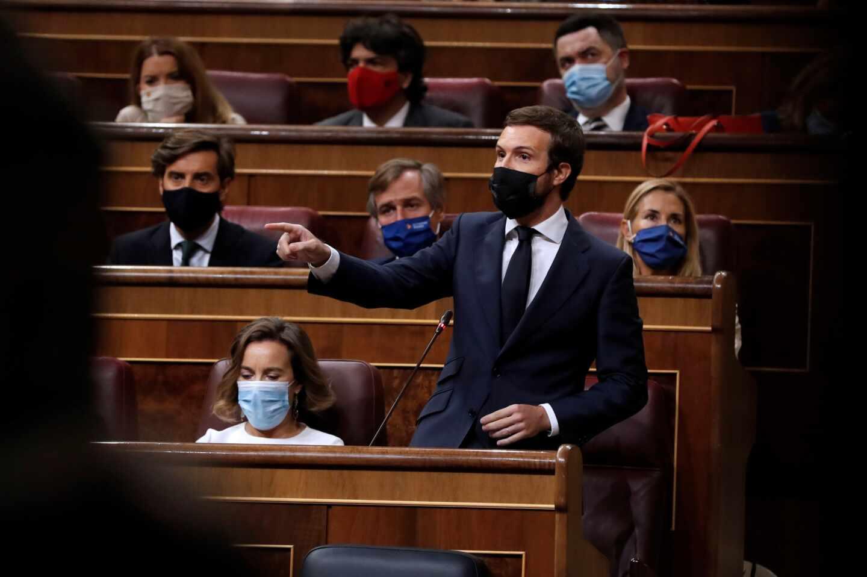 El líder del PP, Pablo Casado, durante su intervención en la sesión de control al Gobierno.