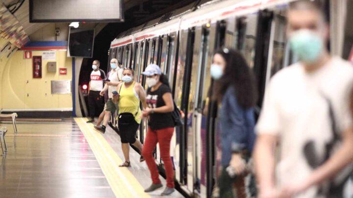Explotan la mochila de un hombre desequilibrado que fingía llevar explosivos en el Metro de Madrid