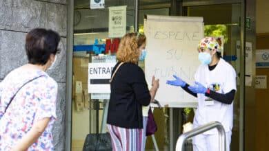 """La angustia de los médicos de primaria en Madrid: """"Esta ola es un tsunami"""""""