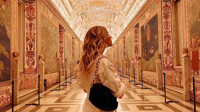 Chiara Ferragni en su visita privada a los museos vaticanos en Roma