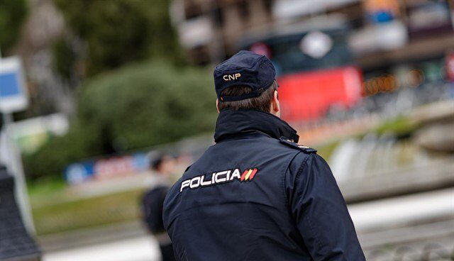 Agente de Policía Nacional.