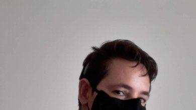 Un sordo reúne 70.000 firmas para la homologación de las mascarillas transparentes