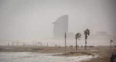 Valencia, Cataluña y Baleares, en alerta naranja por viento y olas de hasta cuatro metros