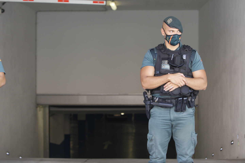 guardia-civil-agente-4896x3264.jpg