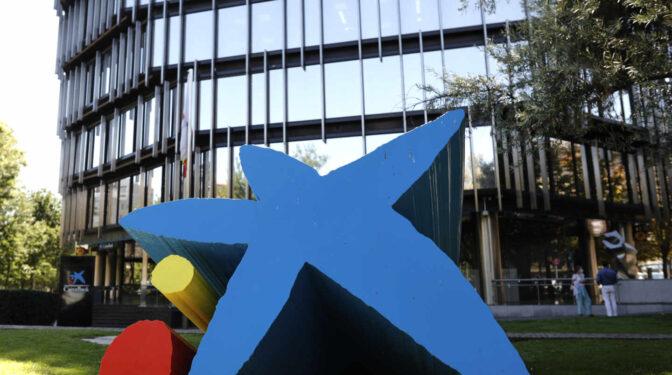 La mitad de las salidas del ERE de CaixaBank serán de trabajadores menores de 50 años
