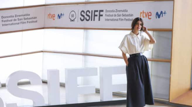 Paz Vega, Iñaki Sánchez Arrieta y Raúl Arévalo presentan el rodaje de 'El lodo' en el Festival de San Sebastián