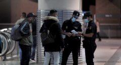 Más controles y policías para reforzar las áreas con restricciones de Madrid