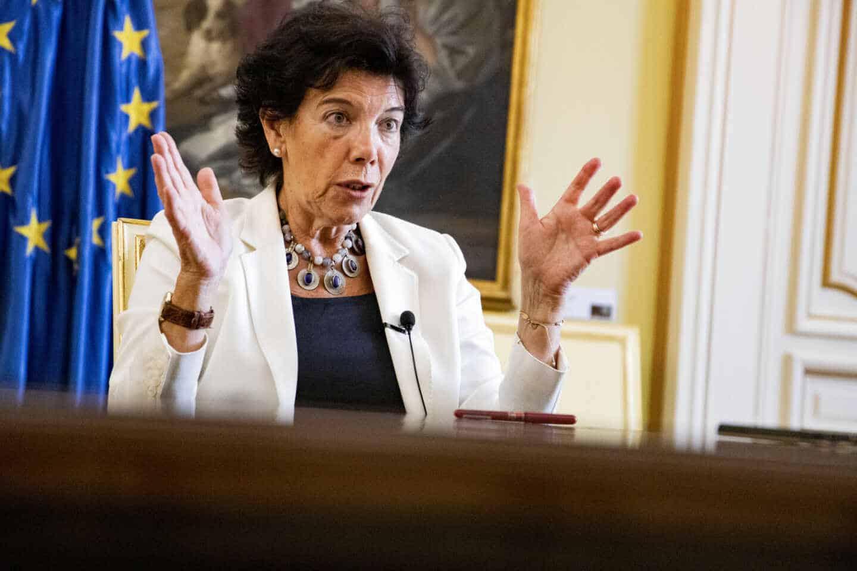La ministra de Educación, Isabel Celaá, en una entrevista con El Independiente en el Ministerio