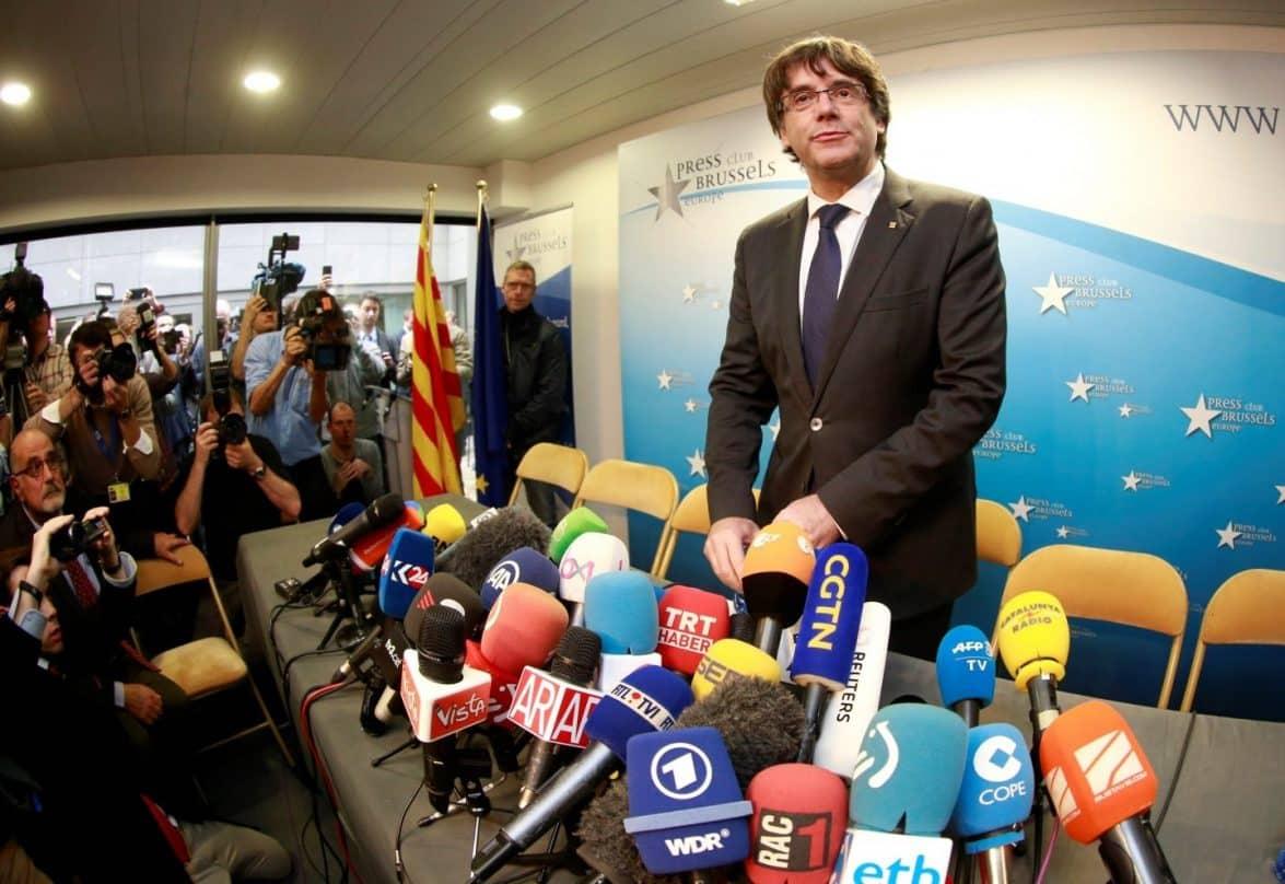 Puigdemont confirma su rebeldía judicial y no se presenta ante Lamela