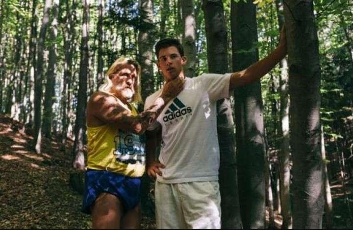 Thiem, con el atleta Sepp Resnik durante los entrenamientos en el bosque