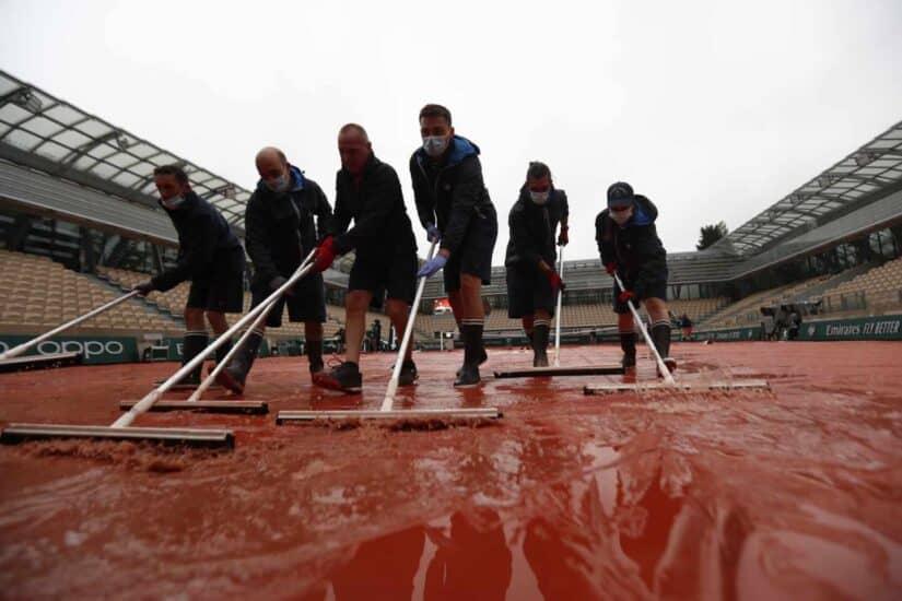La lluvia es un clásico de Roland Garros y en este certamen otoñal lo será todavía más